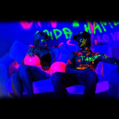glow in the paint uv light uv paint uv paint