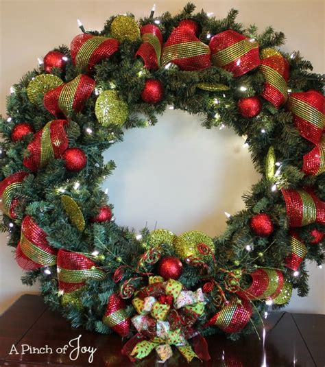 finished wreath  pinch  joy outdoor christmas