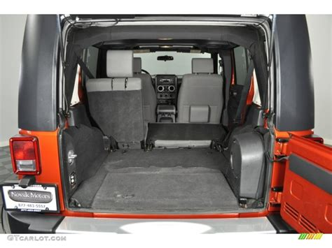 jeep trunk dimensions 2009 jeep wrangler unlimited 4x4 trunk photo