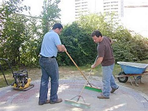 how to lay a brick patio how to lay a circular paver patio how tos diy