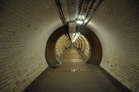 thames river tunnel greenwich foot tunnel photos of the pedestrian tunnel