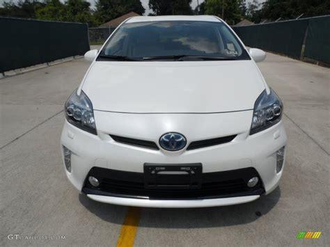 Toyota Prius Third Generation Blizzard White Pearl 2012 Toyota Prius 3rd Five Hybrid
