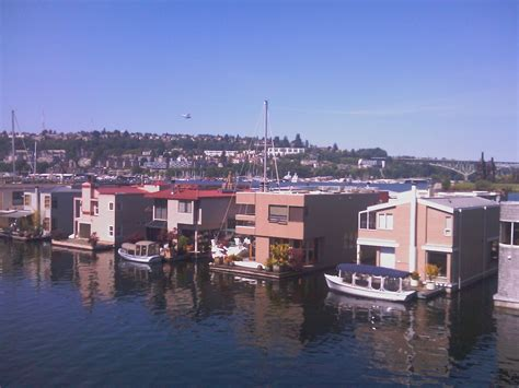 house boat seattle recent seattle houseboat showings