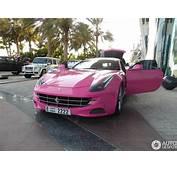 Ferrari FF Barbie Edition Gespot In Dubai