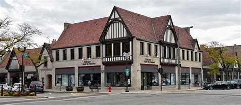 downtown highland park retail space for rent