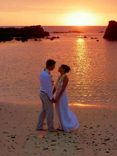 Renewing wedding vows on Oahu? What you need to know