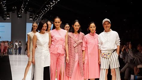 blibli fashion intip koleksi fashion fusion blibli x jfw 2018 kemarin yuk