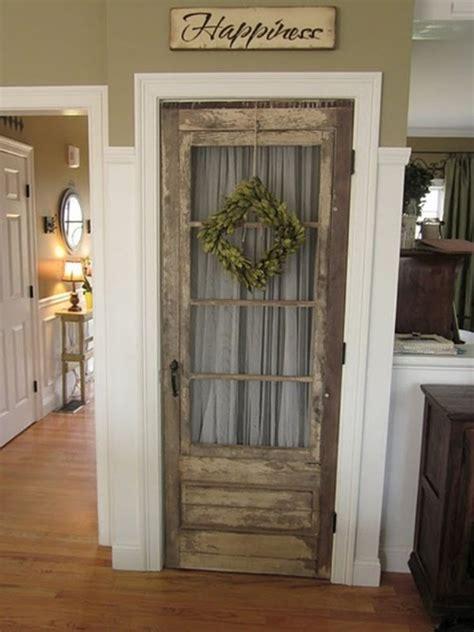 creative ways  reuse   screen door