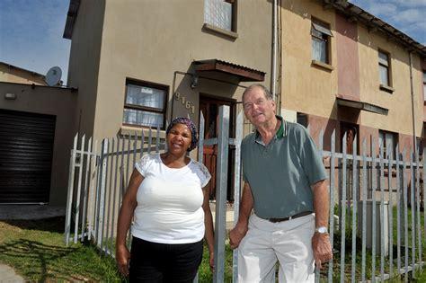 huis te koop robertson gesin gee huiswerker na 36 jaar diens n eie huis netwerk24