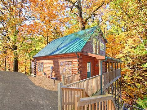 Luxury Cabin Rentals In Gatlinburg Tn by 1000 Ideas About Gatlinburg Luxury Cabins On