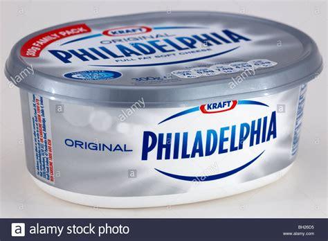 Cheese Kraft Philadelphia Tub Of Kraft Philadelphia Cheese Spread Stock Photo