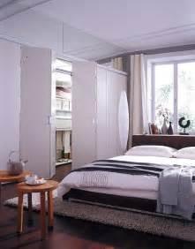 schiebetüren für begehbaren kleiderschrank chestha schlafzimmer idee kleiderschrank