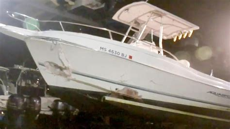 boat crash cape cod canal 5 rescued from buzzards bay after boat hits buoy 171 cbs boston