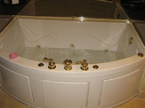 atlanta hotels with tubs in room kitchenette area picture of atlanta perimeter suites atlanta tripadvisor