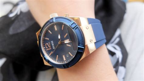 Guess W0568l2 Gold Original guess connect review