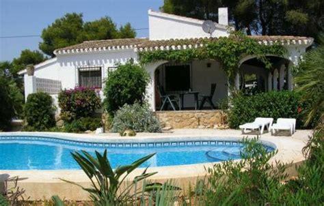 huis kopen xabia vakantiehuis villa met priv 233 zwembad te javea costa