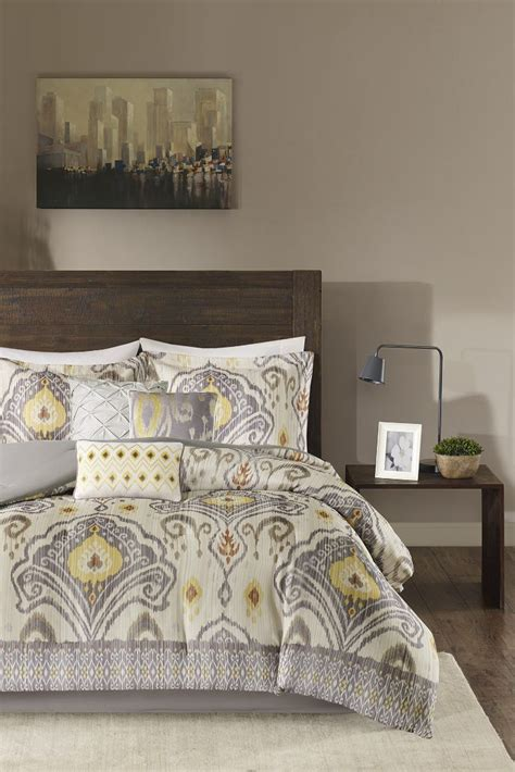 Comforters Overstock by Tips On Buying A Comforter Set Overstock