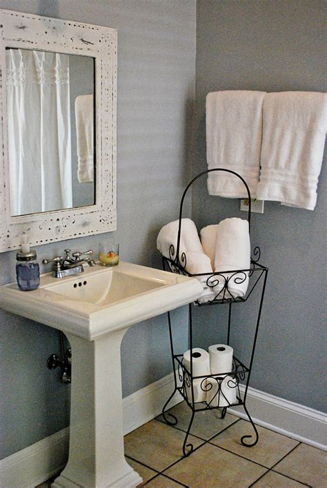 paint color bm feather gray this look white pedestal sink and grayish blueish walls