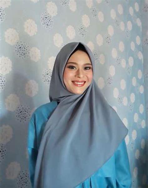 tutorial hijab segitiga simple modis pesta sehari hari