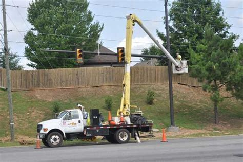 When Was The Traffic Light Installed by New Traffic Lights Installed On Ross Bridge Parkway