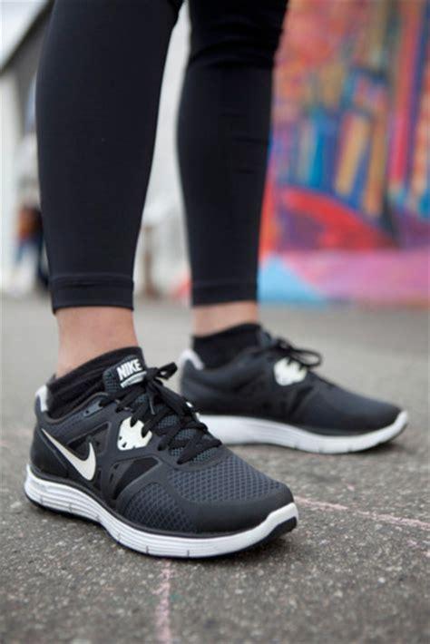 nike black running shoes shoes nike running shoes nike running black nike