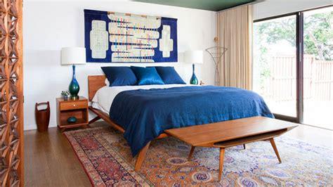22 Cozy and Chic Midcentury Bedroom Designs   Home Design