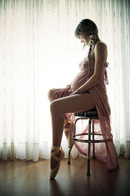 pregnant ballerina pregnant and still a ballerina inspiration maternity