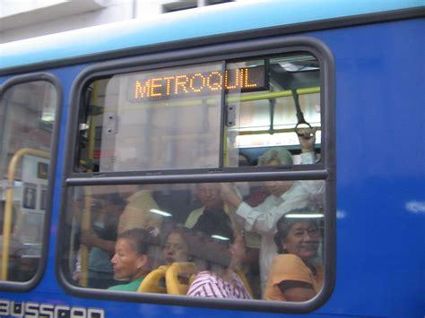 atorada en la ventana xnxxx situaciones incomodas en el bus taringa