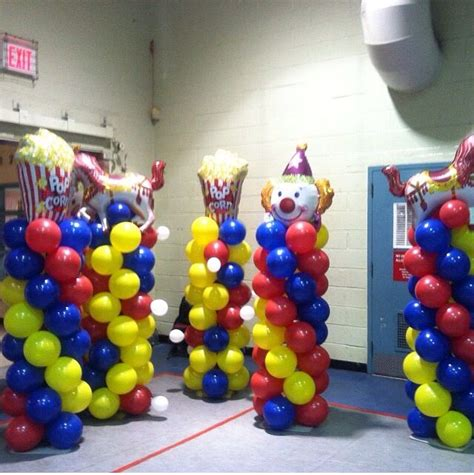 circus themed balloon decor best 25 carnival centerpieces ideas only on