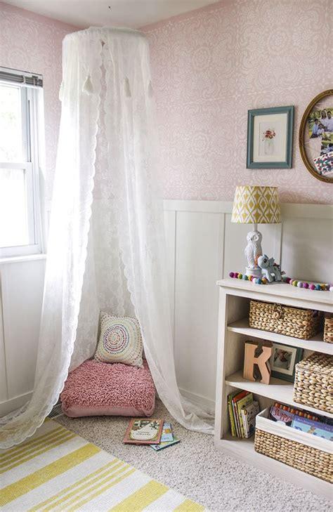 wall stencils ideas for dreamy romantic bedroom decor 25 best ideas about corner curtains on pinterest corner
