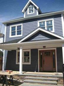 blue siding house best 25 blue vinyl siding ideas on pinterest vinyl