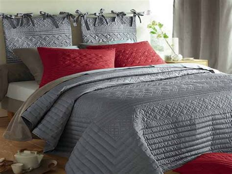 gray and red bedding gray and red bedroom bedrooms with red and grey comforter