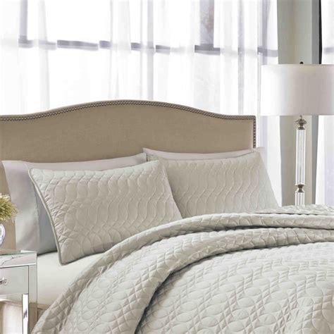 nicole miller coverlet nicole miller splendid cream quilted 3 piece bedspread set