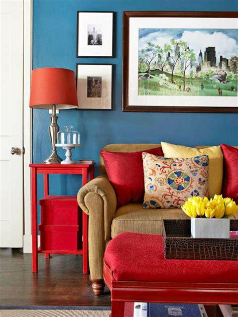 blaue und gelbe kissen blaue farbpalette f 252 r das interior ihrer wohnung
