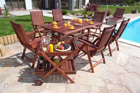 decorar jardin muebles ideas para decorar con el mobiliario en los jardines