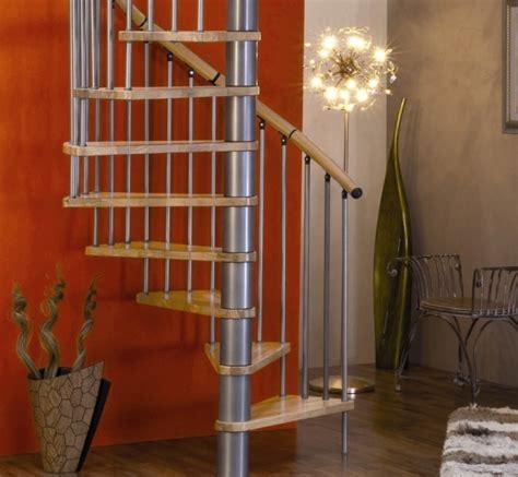 Escalier Entrée Maison by Horloge Murale Avec Des Tasses