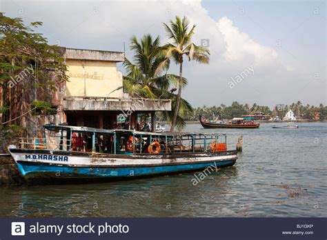 boat service in kochi india kerala kochi fort cochin vypeen island ferry