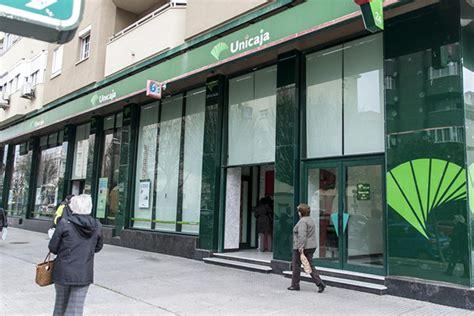 oficinas unicaja unicaja banco y espa 241 aduero aprueban el proyecto de fusi 243 n