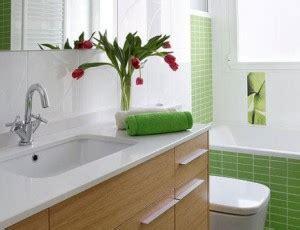 imagenes adornos navideños con piñas 17 ideias para decorar seu banheiro e lavabo com flores ou
