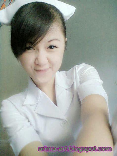 foto telanjang perawat cantik lagi nungging pamer meki trikjitu com