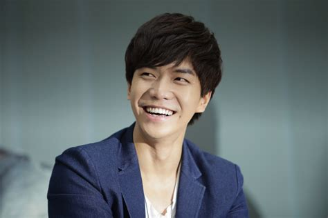 lee seung gi lee seung gi s agency confirms he does not have a secret
