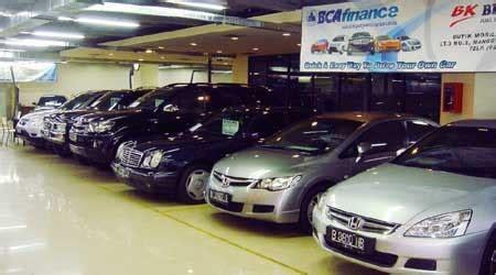 bca finance mobil bekas penjualan mobil baru anjlok mobil seken tetap bertumbuh