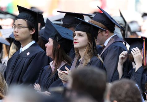 emma watson graduation emma watson se forma pela brown university portal caneca