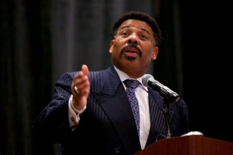 Superior Moody Church Pastor #1: Pastor_tony_evans.jpg