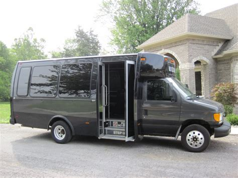 Limo Rental Indianapolis by Rentals Indianapolis Buses Rent A