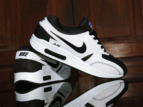sepatu sport nike airmax zero usa flag black white for