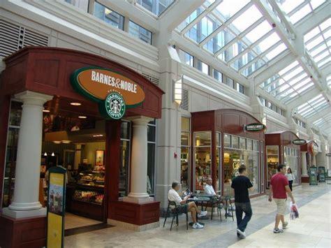 Barnes Noble Boston Ma starbucks in barnes noble at the prudential center boston places starbucks and