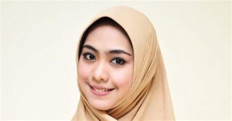 Definisi Jilbab Raida Wati Definisi Jilbab Kerudung Purdah Dan
