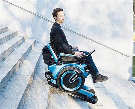 la sedia a rotelle la sedia a rotelle sale e scende le scale metro news