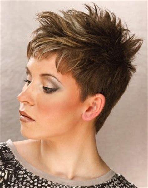 spikey razor cut hairstyles for women short spiky hair cuts short crop hairstyles 2012 for